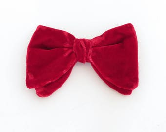 Brilliant red velvet clip-on wide bow tie, 1970's vintage