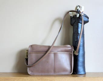Coach Companion Bag In Putty Leather With Brass Hardware & Crossbody Strap Style 9300 -Made In New York City Factory - VGC