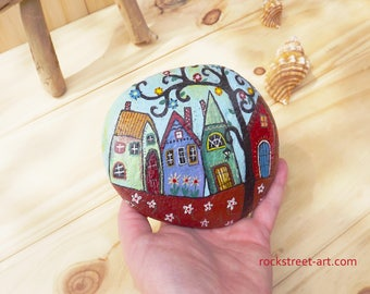 Painted rock rustic home decoration, unique design for house and garden, Christmas gift, rustic art, desk paperweight hand painted Australia