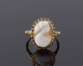 10k Carved Shell Cameo Woman Ring Gold