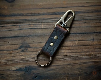 Sling Lever Key Keeper in Ol'Red Folklore Bison with Antique Brass Hardware