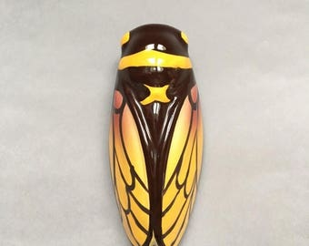 SALE Cicada Wall Vase. Cicada. Vintage Vase. Ceramic Vase. Vase Mural Cigale. Bouquetière. French Country. French Vintage. French Provincial