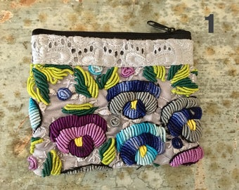 MEXICAN COIN PURSE Medium,  Embroidered pouch, Makeup purse, Cards & cash pouch, Made in Chiapas