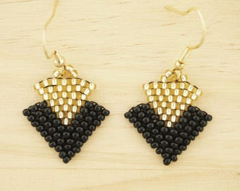 Black gold seed bead earrings, triangle earrings, minimal earrings, geometric jewelery, original earrings, modern earrings, fair trade