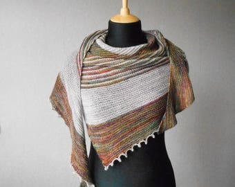 Knitting shawl pattern.