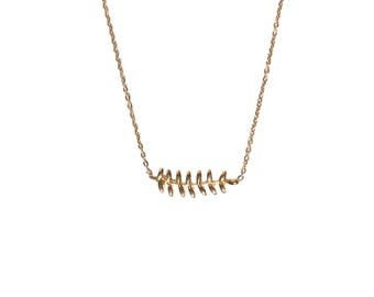 Atea necklace - Gold thin flowery pendant chained necklace