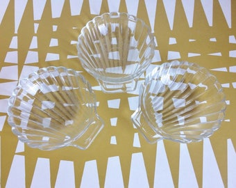 Vintage Pyrex glass Shell dishes, Oven proof, serving, coquille st jacques. Retro 481