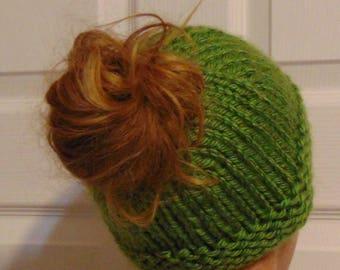 Knitted Messy Bun Hat-Ponytail Hat