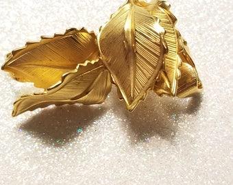 Vintage Goldtone Leaf Clip on earrings