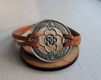 Celtic Knot Medallion & Leather cord bracelet Unisex / 3rd anniversary gift / 9th anniversary gift