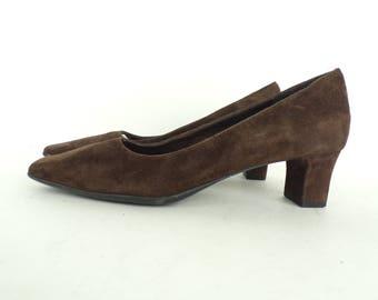 Vintage Vaneli Brown Suede Heels Size 6.5N, Brown Heels, Suede Heels, Pumps, Brown Leather, Vaneli, Classic Heels, Brown Pumps, Work Shoes
