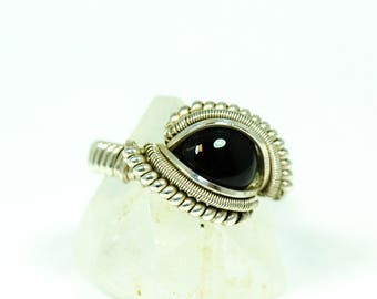 Wire Wrapped Onyx Ring // Size 5 // Sterling Silver and Black Onyx // Shining Opus Designs // The Crystal Garden