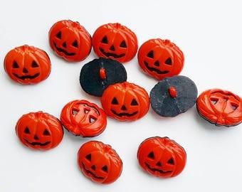 Big pumpkin buttons