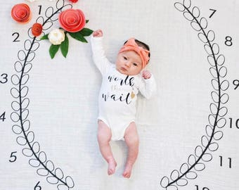 Baby Milestone Blanket ™ Wreath MONTHS / swaddle blanket / anniversary blanket / age blanket  / growth blanket / newborn photo prop / baby