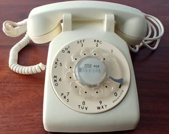 Vintage Western Electric Bell System Rotary Dial Telephone, Retro 1969, Model 500 Phone, Pale Yellow, Prop