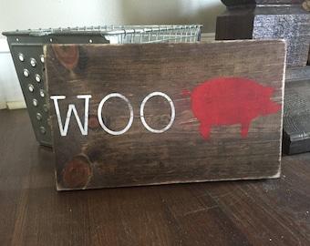 WOO Pig Arkansas Razorback wood sign