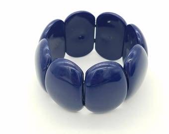Vintage Navy Blue Genuine Lucite Bead Elastic Bracelet Made in Hong Kong