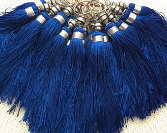 Tassel made of silk braided in blue