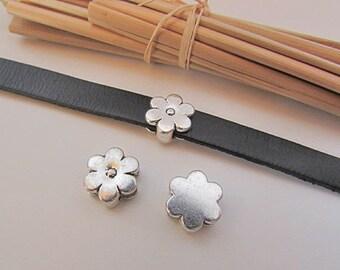 4 perles passant fleur pour cordon de 10 x 2 mm - métal argenté  - 13 mm de diamètre  - 56.19