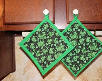 Set of 2 Handcrafted Oversized St. Patrick Quilted Potholder Hotpad Trivet, Shamrocks