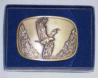 """Extremely Rare, Vintage and Original  **Smith & Wesson**  1982 """"American Traditions"""" #677 Solid Brass Belt Buckle"""
