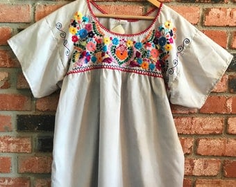 Embroidered Mexican Blouse - Large White