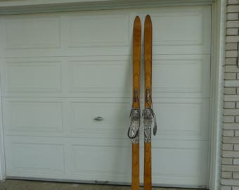 Wooden antic skis