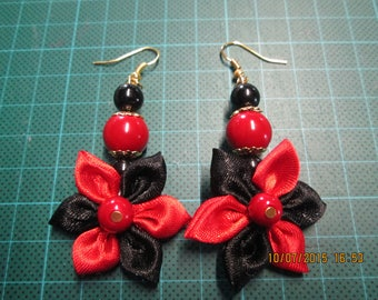 Red and black satin flower earring
