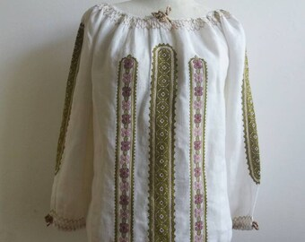 Vintage 70s Cheesecloth  embroidered Romanian Peasant Blouse - Folk Cotton Top with embroidery and Mexican cross stitch. Ethnic Boho Style