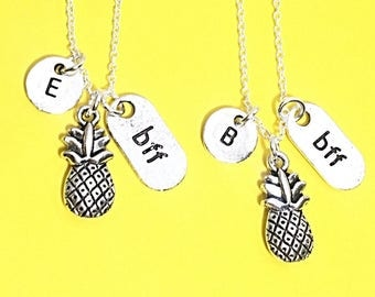 Sale, Set of 2 Best Friend Necklace, Pineapple Charm, BFF necklace,sister, mother daughter, friendship jewelry, friends,Silver Friends Neckl