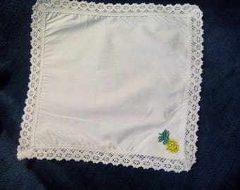 Handmade White handkerchief with  lace and Pineapple motif