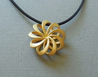 Rosette - 3D Printed Pendant in Gold Plated Steel / 3D Printed Jewelry