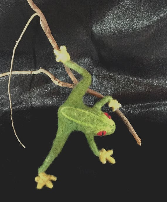Felted Animals/Frog Pin/Reptiles/Wildlife Art/Brooch
