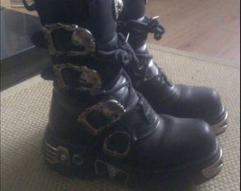 Vintage 90's Black leather New Rock Boots on Reactor Soles with Skull Buckles size 4 / 38C