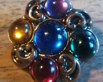 vintage brooch gold tone with coloured stones