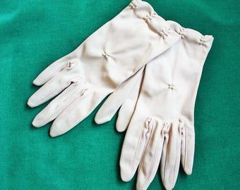 Beige Nylon Spring Wrist Gloves 1960s