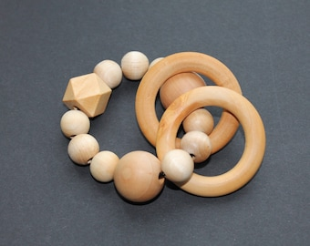 Wood teething ring // Wood rattle // Baby teether // New mom gift // Baby gift