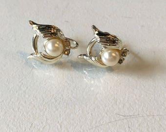 Vintage Goldtone Winged Pearl Screw Back Earrings