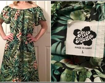 Vintage 1980s Hilo Hattie Green Floral Hawaiian Muumuu Dress  - Size Large
