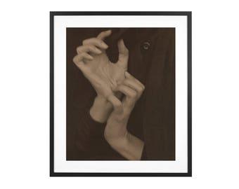 Alfred Stieglitz - Georgia O'Keeffe - Hands 1919 American Modern Art Photography High Quality Print