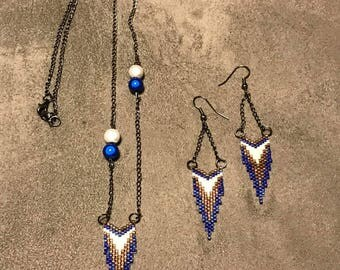 Jewelry set two pieces blue and gold beads