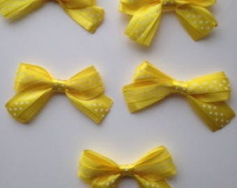 5 flower applique yellow satin bow has polka dots