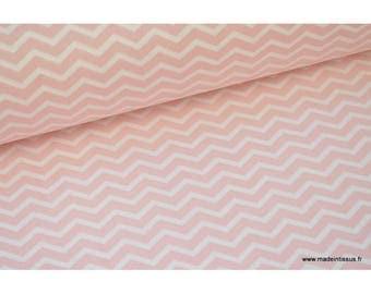 Tissu 100% coton dessin zigzag rose  x50cm