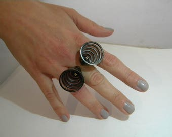 handcrafted contemporary silver ring - 2 brilliants