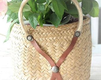 French vintage basket Wicker - country Decor - decorative basket - basket with flowers - VAN170989
