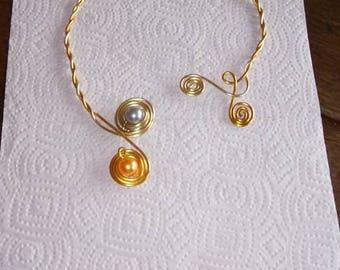 Yellow aluminum beads necklaces