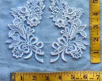 Vintage White Venise Applique Set with bows and flowers