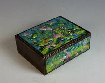 Enamel High Relief Box