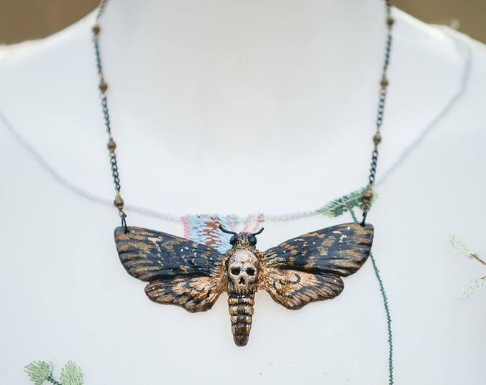 Skull Swarm Necklace Bronze