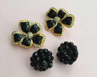 Vintage Earrings Large Black & Gold Overized Flower Monet Style Clip One Seed Beads Pearl